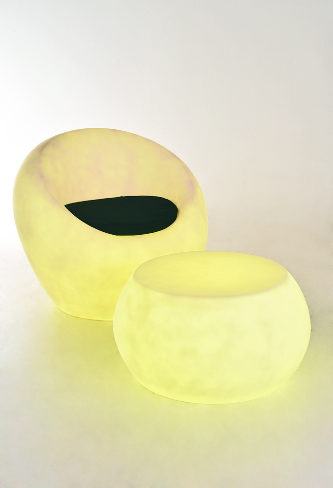 Piment Rouge Lighting Bali - Resin Chair and Resin Table in Yellow Glow